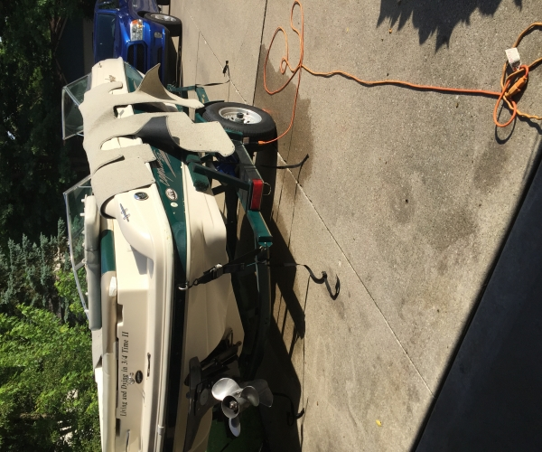 Used Rinker Boats For Sale in Indiana by owner | 2000 Rinker Rinker 212 Captiva